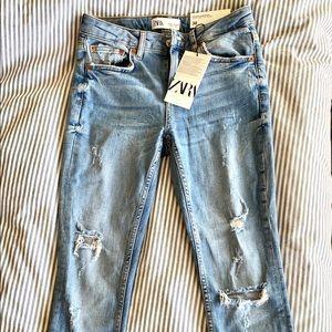 ZARA Slim Fit Mid Rise Distressed Skinny Jeans